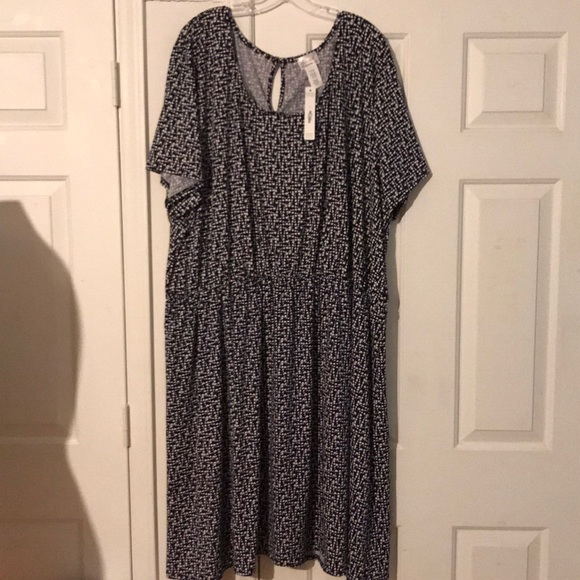 f338c407ae8 NWT Plus Size 5x Sealed With a Kiss stretch dress